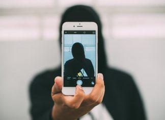 Policja wypuszcza nową aplikację, która sama zidentyfikuje przestępców. FakeNews24.pl
