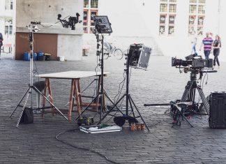 Fatalna pomyłka na planie fimy Michaela Baya. Zginęli statyści. FakeNews24.pl. Humor. Rozrywka.