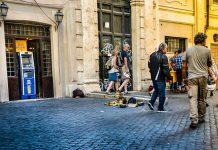 Wysadzili bankomat w Centrum Warszawy. Policja szuka przestepców. FakeNews24.pl FakeNews24 Humor i Rozrywka