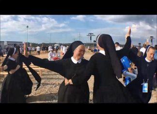 Zakonnice tańczą na Tomorrowland 2019. Śmieszne filmiki. FakeNews24. FakeNews24.pl. VOD.